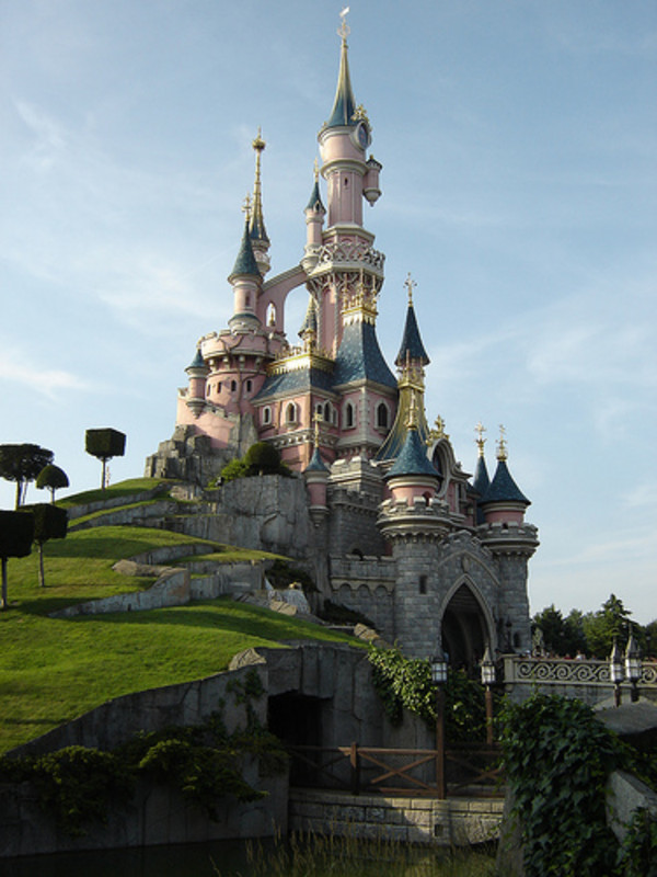 disneyland_paris_france_600x